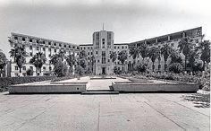 Hospital Civil, hoy Hospital Universitario desde  1938 empezó a funcionar en  forma parcial y una vez totalmente concluido en forma total. La inauguración fue en  1943 http://www.medicina.uanl.mx/hu/acerca-de/historia/