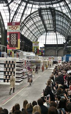 #tb #chanel #parisfashionweek #shoppingcenter #fashionshow #paris #grandpalais #karllagerfeld #mydreamcametrue #thankful Marko Margeta   Visual Merchandising