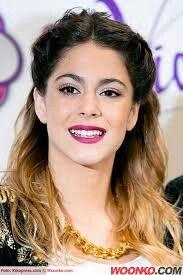 Violetta castillo (martina stoessel) Netflix Kids, Disney Channel Shows, Concert, Famous People, Celebs, Singer, Glamour, Pretty, Google