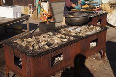 Japan 残酷焼き. Zankoku yaki 三重県の志摩(鳥羽市)で牡蠣の食べ放題に挑戦!!