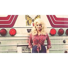 Dolly Parton and Her Bus