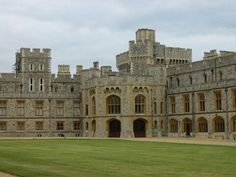 Funz Bite: Beautiful and Largest Castle In The World - Windsor Palace