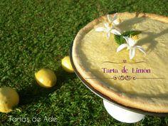 refrescante tarta de limón ecológico sobre crujiente y deliciosa masa brisa. Refreshing organic lemon pie by Tartas de Ade