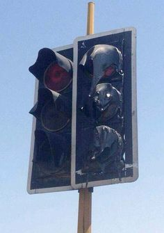 You know it's hot outside when the traffic lights are melting #Kuwait #weather #summer