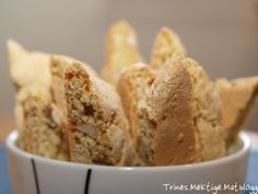 VERDENS BESTE BISCOTTI - TRINEs MATBLOGG Cake Cookies, Biscotti, Muffin, Favorite Recipes, Sweets, Bread, Candy, Baking, Breakfast