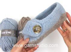 Knitting Videos, Hand Knitting, Knitting Patterns, Drops Design, Booties Crochet, Knit Crochet, Garnstudio Drops, Knit Shoes, Baby Supplies