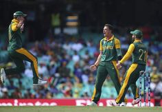 Dale Steyn of South Africa celebrates after taking the wicket of Tillakaratne Dilshan of Sri Lanka during the 2015 ICC Cricket World Cup Quarter Final match between South Africa and Sri Lanka at Sydney Cricket Ground on March 18, 2015 in Sydney, Australia.