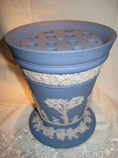 Another of my favorite vases - This lovely lavender white Wedgewood vase has a frog insert on top for easy flower arranging. Chinoiserie, Wedgwood Pottery, Art Chinois, Blue Dishes, Flower Vases, Flowers, Flower Holder, Flower Frog, White Peonies