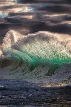 92 Majestic Wave Photos That Capture The Beauty Of Breaking Waves No Wave, Water Waves, Sea Waves, Sea And Ocean, Ocean Beach, Summer Beach, All Nature, Amazing Nature, Surf Mar