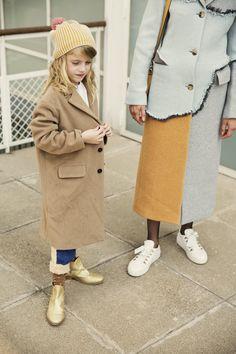 Un abrigo clásico que no lo es tanto
