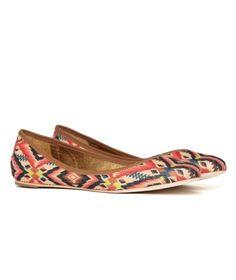 Amazing aztec ballet flats   #shoes @Dealuxe.ca    Have them