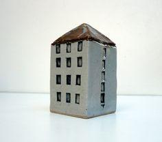 janet mealha Art Houses, Clay Houses, Ceramic Houses, Miniature Houses, House Lamp, Cute House, Contemporary Ceramics, Little Houses, Home Art