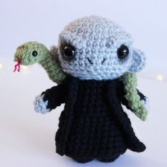 Crochet Fall, Cute Crochet, Crochet Crafts, Harry Potter Crochet, Harry Potter Dolls, Crochet Disney, Disney Crochet Patterns, Halloween Crochet Patterns, Crochet Amigurumi Free Patterns