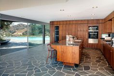 The United States Of America / California / Los Angeles / Beverly Hills / 2880 Benedict Canyon Drive, Wallingford Drive / Kitchen / Adam Levine- And Behati Prinsloo