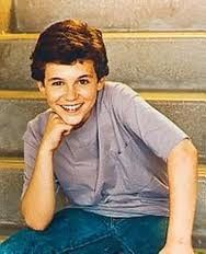 Fred Savage as Kevin Arnold from The Wonder Years Kevin Arnold, Larry Wilcox, Best Tv Shows, Best Shows Ever, Favorite Tv Shows, Hollywood Stars, Old Hollywood, Geeks, Fred Savage