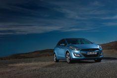 Im Hyundai i30 scheppert wirklich nix: Charakterstark präsentiert sich das Design des neuen Hyundai i30. Beeindruckend ist aber das Qualitätsniveau, das bei diesem Auto erreicht wurde. Der Auto-Test im Detail: http://www.nachrichten.at/anzeigen/motormarkt/auto_tests/Im-Hyundai-i30-scheppert-wirklich-nix;art113,867816 (Bild: OÖN)