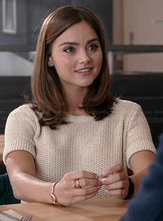 Clara's cream short sleeve sweater on Doctor Who Clara Oswald Fashion, Doctor Who Jenna Coleman, Doctor Who Outfits, David Tennant Doctor Who, Cream Shorts, Rory Williams, Donna Noble, Nordstrom Dresses, Pretty Hairstyles