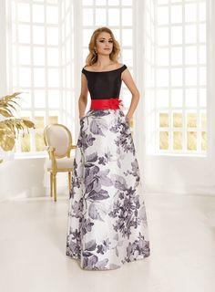 Printed Wedding Dress, Wedding Dresses, Lehenga Blouse, Looking Gorgeous, Formal Wear, Blouse Designs, What To Wear, Evening Dresses, Winter Fashion