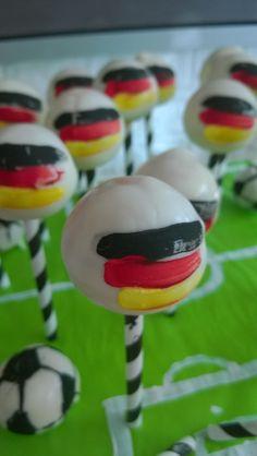 ber ideen zu football cake pops auf pinterest fu ball kuchen kuchenlolli und american. Black Bedroom Furniture Sets. Home Design Ideas
