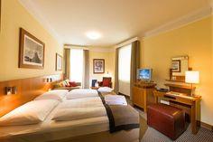 Boka Hotel Post i Bad Gastein Bad Gastein, Hotels, I Am Bad, Corner Desk, Bed, Furniture, Home Decor, Vacations, Centre