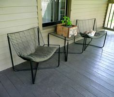 The Vintage Cabin: Cool wire chairs