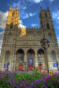 Notre-Dame Basilica (French: Basilique Notre-Dame de Montréal) is a basilica in the historic district of Old Montreal, in Montreal, Quebec, Canada. Quebec Montreal, Old Quebec, Old Montreal, Montreal Ville, Quebec City, Montreal Travel, Beautiful Places To Visit, Great Places, Places To See
