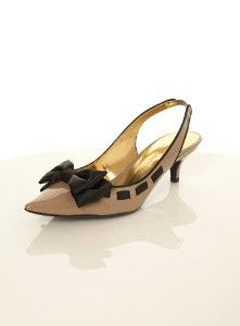 Kitten heeled shoe with bow detail to the front and a sling back strap. Kitten Heel Shoes, Low Heel Shoes, Shoes Heels, Pretty Shoes, Beautiful Shoes, Crazy Shoes, Me Too Shoes, Bow Heels, Shoe Closet