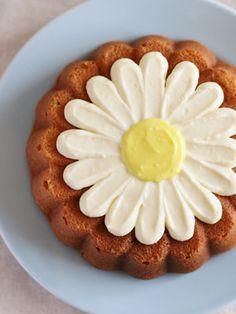 ポピーシードとレモンのマーガレットケーキ