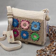 Bolso de crochet en algodón crudo y flores