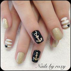 Instagram by roxitibeaute #nails #nailart #naildesign