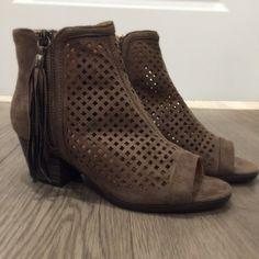 ⓝⓔⓦ ⓐⓡⓡⓘⓥⓐⓛⓢ - $42 #heels #newarrival #fashion #aldm #apricotlane #apricotlanedesmoines…