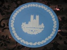 Wedgwood Christmas Collector Plate 1977 Westminster Abbey With Box Available In Store Now @
