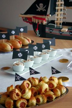 Ideas for what to include in your pirate party, which you can organise at puddles.london