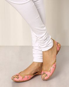 Buy PINK Shilpsutra Floral Print Leather Mojaris | AJIO