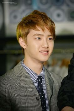 D.O. Exo light brown hair