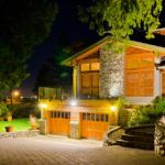 How to set up outdoor lighting for beauty and security Direct Lighting, Task Lighting, Accent Lighting, Strip Lighting, Outdoor Lighting, Outdoor Decor, Looking Out The Window, Garden Seating, Solar Lights