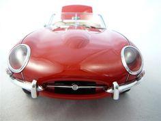 Voiture miniature de la marque Jaguar à retrouver sur http://www.freeway01.com/miniatures-jaguar-xsl-253_283.html