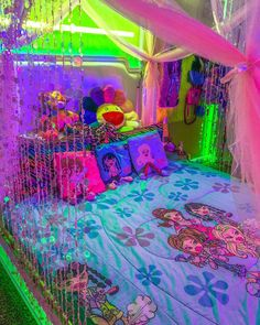 chambre shared by Yasmine Hijazi on We Heart It My New Room, My Room, Hippie Bedroom Decor, Indie Room, Neon Room, Chill Room, Hippy Room, Retro Room, Cute Room Decor