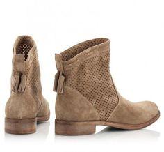 Perfekter Schuh in einer hellen Basisfarbe für den Herbst Farbtyp