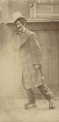 """indigodreams:  """" 19thcenturyswagger:  Man in theatrical costume sporting a fabulous moustache roller-skating on a sidewalk. (1910) ©Missouri History Museum  (source: http://ift.tt/1v52gWX) """"  et aussi patin"""