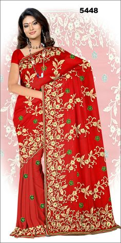 Shop SIXMETER #Casual Wear Maroon Silk Saree at 99trendz.com. This is a perfect addition to every women's #Sarees Collection.