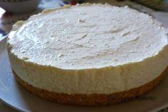 Prajitura la rece cu iaurt si fructe de padure facuta de Ramona Dascalu I Foods, Camembert Cheese, Biscuit, Cheesecake, Pie, Sweets, Sugar, Desserts, Cakes