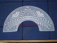 Eventail en dentelle torchon. Bobbin Lace Patterns, Hand Fans, Bobbin Lace, Dishcloth