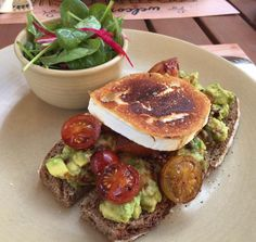 The Avo on toast at The Pantry Cafe, Al Wasl Square. Full review!