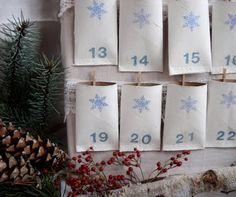 Il libro-gioco dell'Avvento di Anastasia La storia del calendario d'Avvento è piuttosto recente. I primi calendari possono essere data...