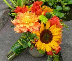 Sunflower Bouquets | bb0144 bright sunflower bridal bouquet sunflowers voodoo roses peach ...