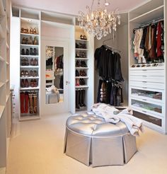 Delicieux Get To Know The Best Of Luxury Closet Design In A Selection Curated By Boca  Do Lobo To Inspire Interior Designers Looking To Finish Their Projects.