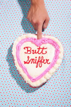 Insult Cakes - STEPHANIE GONOT PHOTO