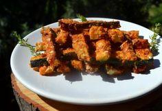 Parmezános cukkini rudak Biro, Tandoori Chicken, Paleo, Vegetarian, Ethnic Recipes, Food, Red Peppers, Essen, Beach Wrap