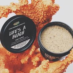 oliviafresh: life is a beach I'm just playin' in the sand | new scrub by @lushcosmetics featuring REAL sand! {full review on blog}#banthebead (at LUSH Cosmetics Pasadena - Colorado Blvd) Oh my
